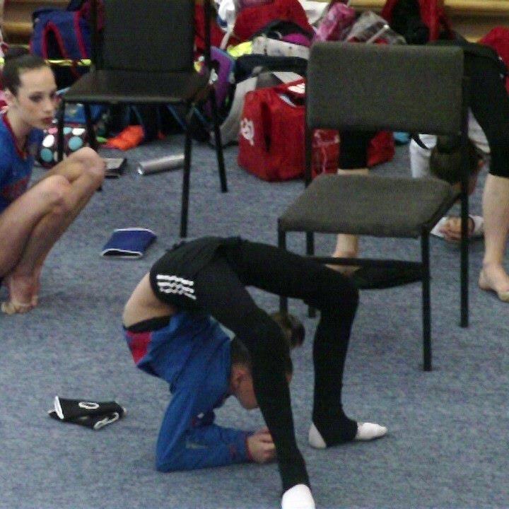 Averina Twin Doing A Bridge On Elbows Amazing Gymnastics Gymnastics Videos Flexibility Dance