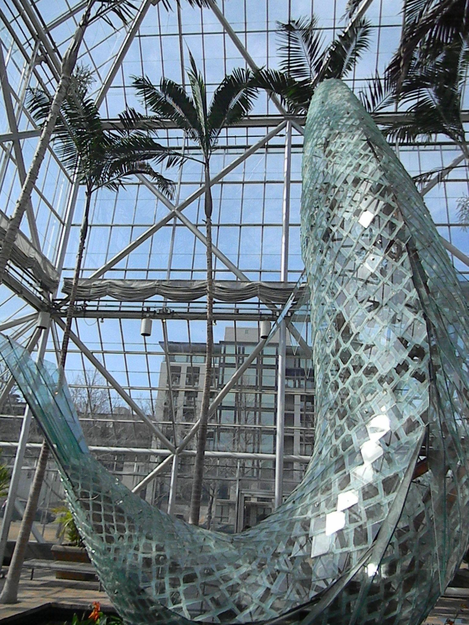 Frank Gehry. Standing Glass Fish 1986. Walker Art Center