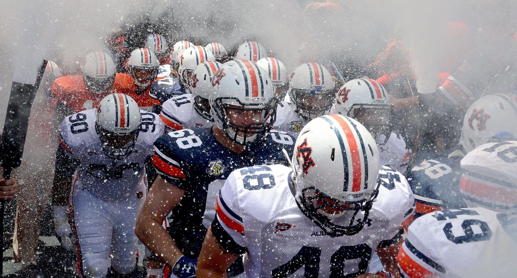 Auburn College Football Tigers 1080p Wallpaper Hdwallpaper Desktop Auburn Football Football Auburn