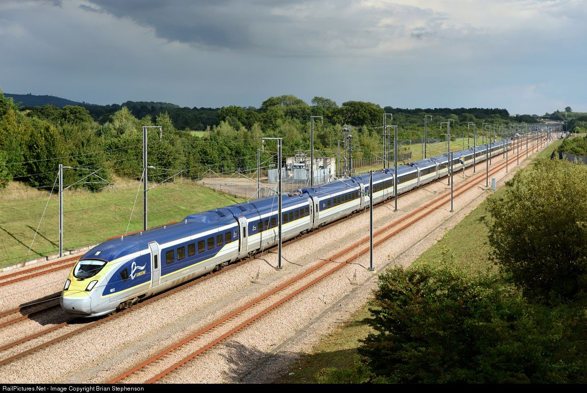 Photo 4017 Eurostar Class 374 e320