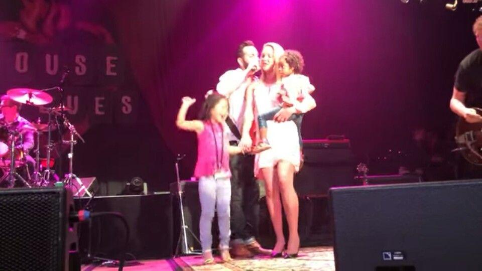 Katherine heigl & Josh Kelley beautiful Family 너무 아름답다. 피부색은 다르지만 완벽한 가족.  볼때마다 참 멋진 가족이라고 느낀다^^