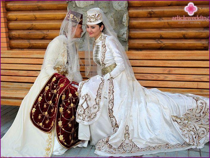 abiti da sposa osseti - ciò che è in abito nazionale, gioielli e accessori con le foto