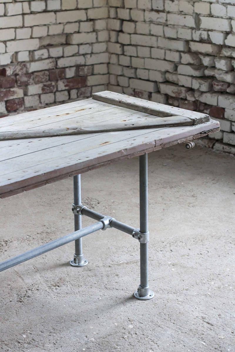 Ruokapöydän runko - Putkihuonekalu ja pöytä vanhasta ovesta - Domus Classica verkkokauppa
