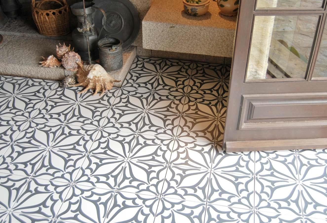 Carrelage aspect carreau ciment krocim decor classic noir for Carrelage noir
