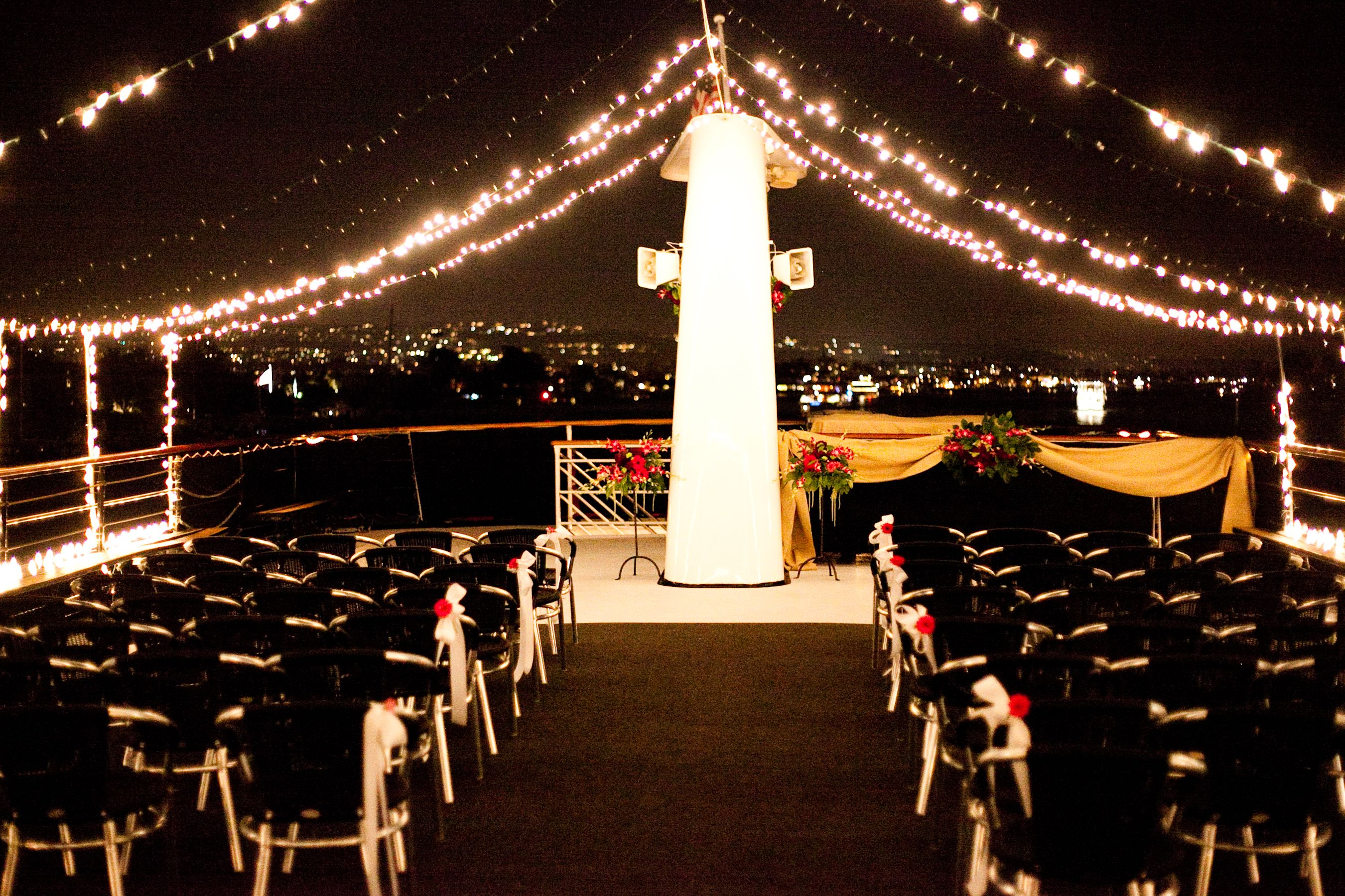 Find Top Nyc Wedding Venues At The Plaza Hotel New York NY LLe Parker Meridien Midtown Loft And Terrace Hornblower Cruises Events