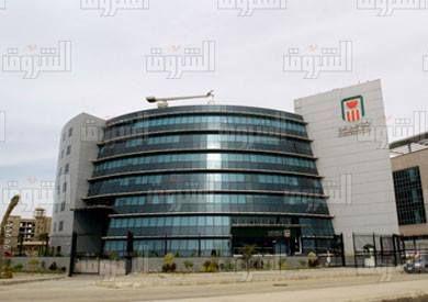 البنك الأهلى 9 مليارات دولار حجم تمويل عمليات الاستيراد منذ قرار تحرير سعر الصرف البنك الأهلي المصري كشف ي Multi Story Building Building Structures