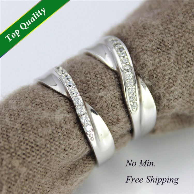 Unisex Diamante Crystal Ring Men's Women's Brushed Steel Diamond Cut