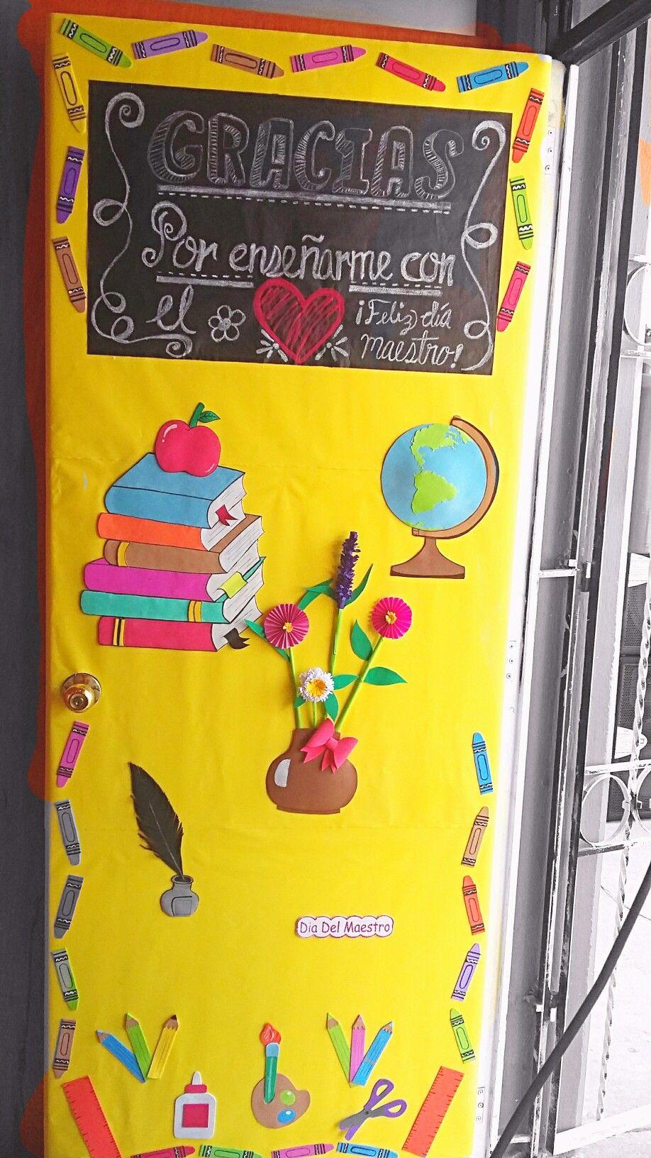 Mayo d a del maestro para el aula classroom door for Puertas decoradas para el 10 de mayo