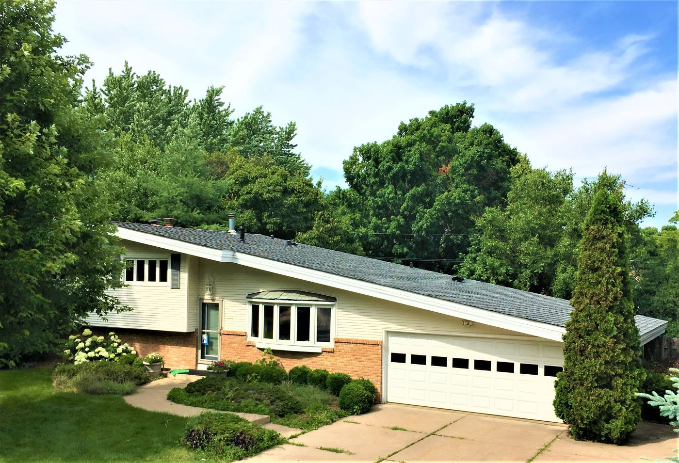 Best Asphalt Roof Minneapolis Gaf Roofing Wood Shakes Roof 400 x 300