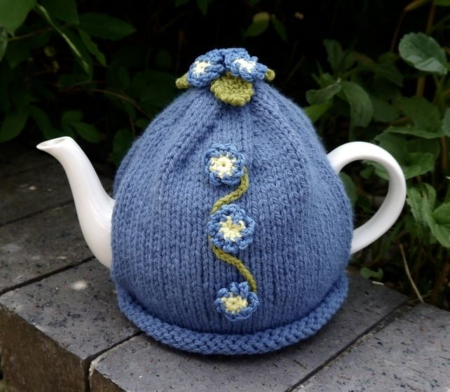 Forget-me-not Tea Cosy £18.00 | Bazaar | Pinterest | Teteras ...