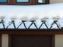 Industrial Grade Heating Cables To Prevent Ice Buildup On Roofs Roof Ice Melt Ice Dams Roof