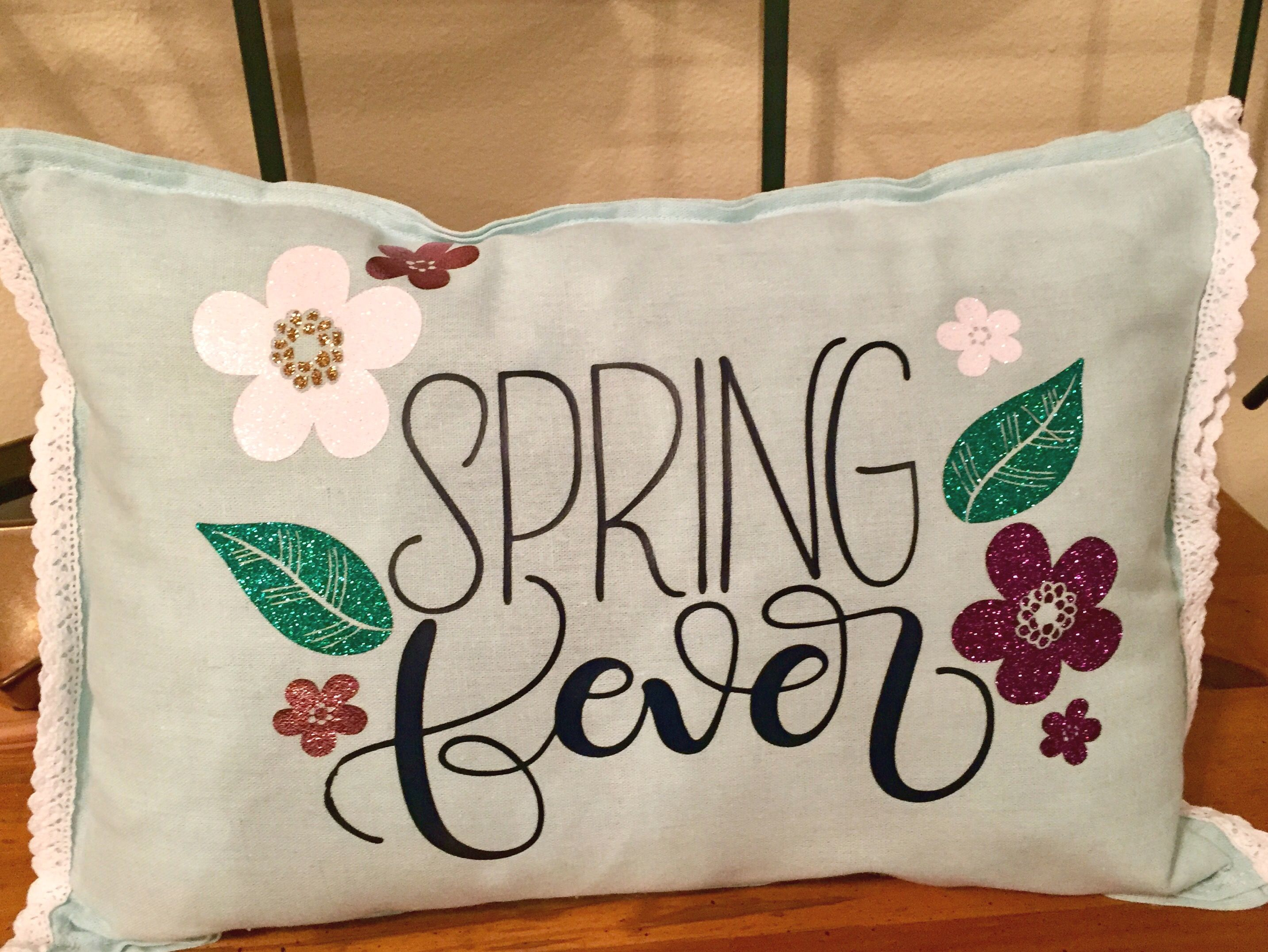 DIY Spring throw pillow from 16 Target placemats, Etsy file from ...
