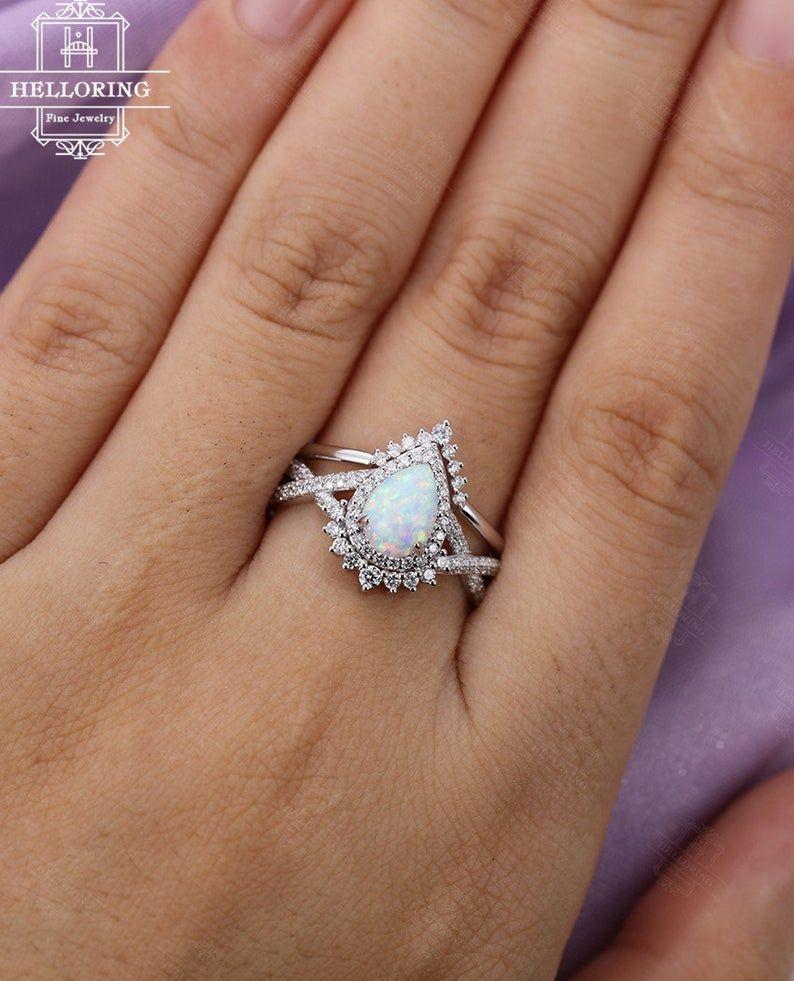 Vintage Opal Engagement Ring Set White Gold Wedding Ring Set Etsy In 2020 Engagement Rings Opal Vintage Opal Engagement Ring Opal Wedding Rings