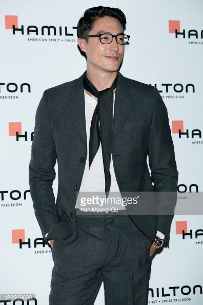 Fotografia de notícias : Actor Daniel Henney attends the 'Hamilton' watch...