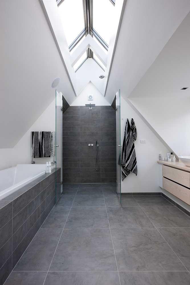 Barrierefreie Dusche und Loft Badezimmer. Tolles Gesamtbild ...
