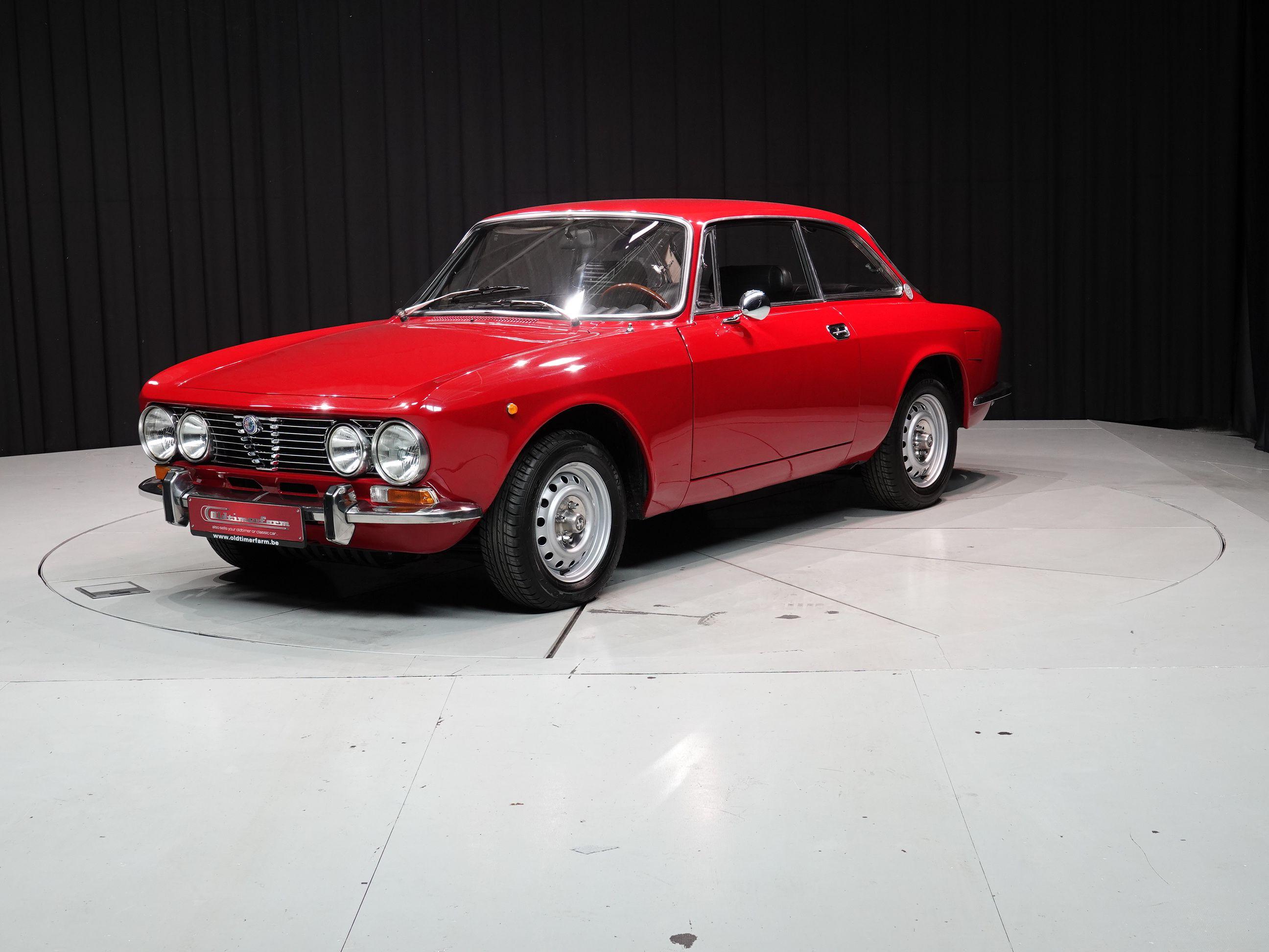 Alfa Romeo Gtv 2000 Bertone For Sale Alfa Romeo Gtv 2000 Bertone Red 1973 Alfa Romeo Classic Cars Cars For Sale
