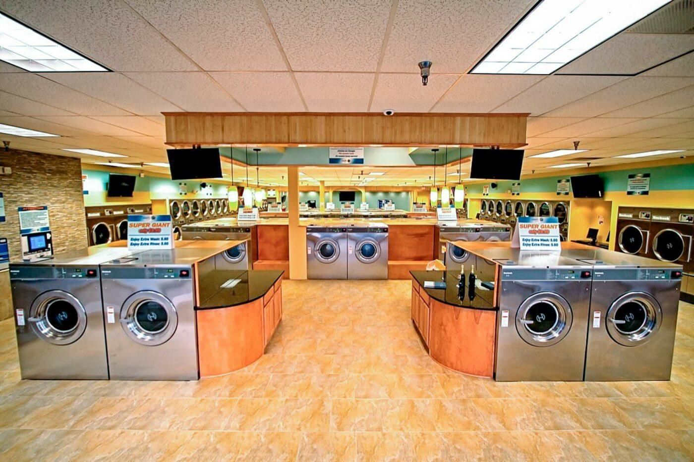 10 Laundromats For Memorable Washing Experiences Laundry Shop Cleaning Clothes Laundromat