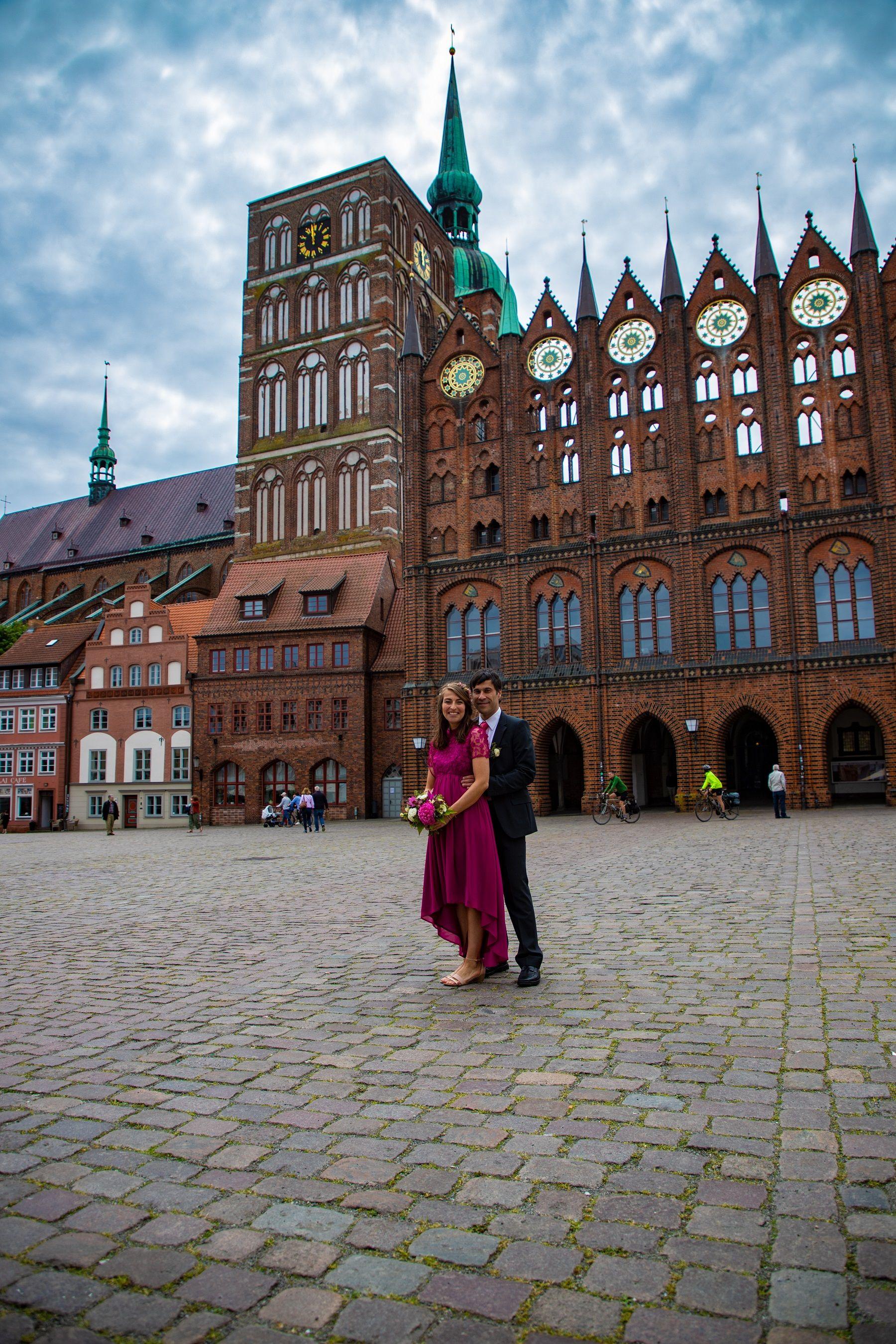 Heiraten In Stralsund Hochzeitsfotograf Gesucht Hochzeitsfotograf Stralsund Gunstiger Fotogra In 2020 Fotograf Hochzeit Hochzeitsfotograf Romantische Hochzeitsfotos