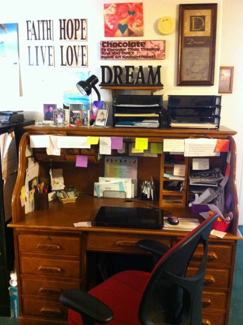 The Best Home Office Ideas On A Budget The Mom Shopping Network In 2020 Small Home Offices Home Office Home Office Setup