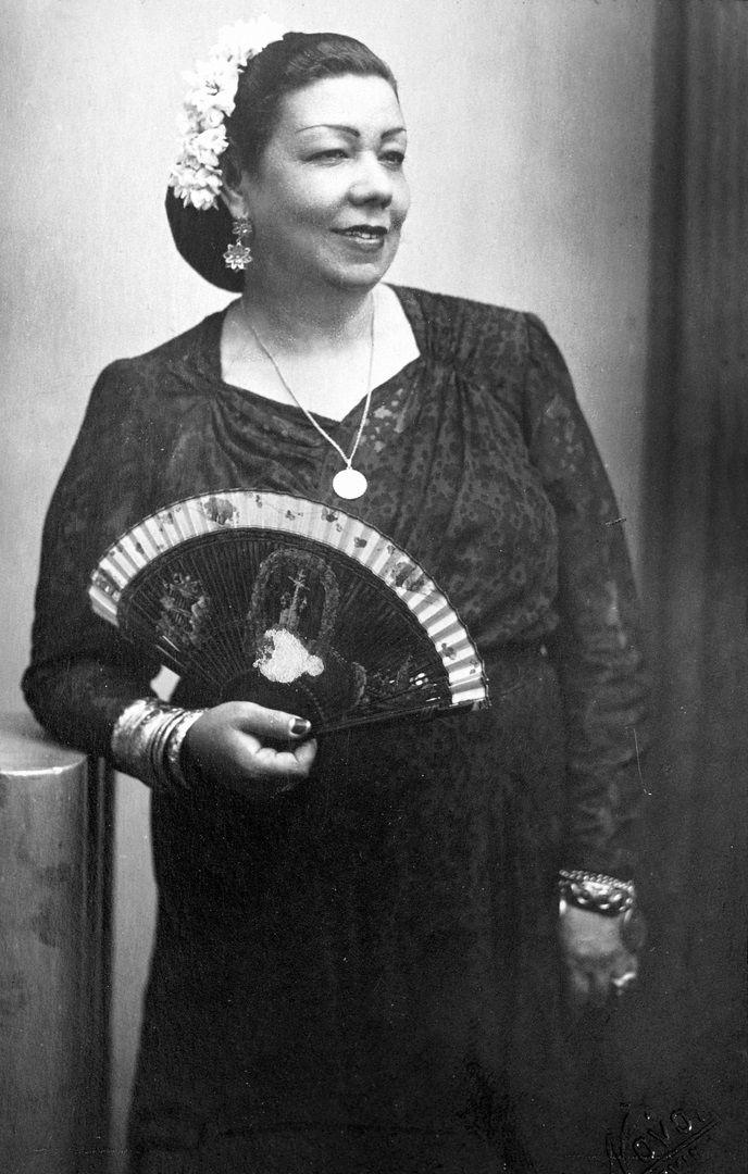 la niña de los peines (pastora pavón) | icons from past & present