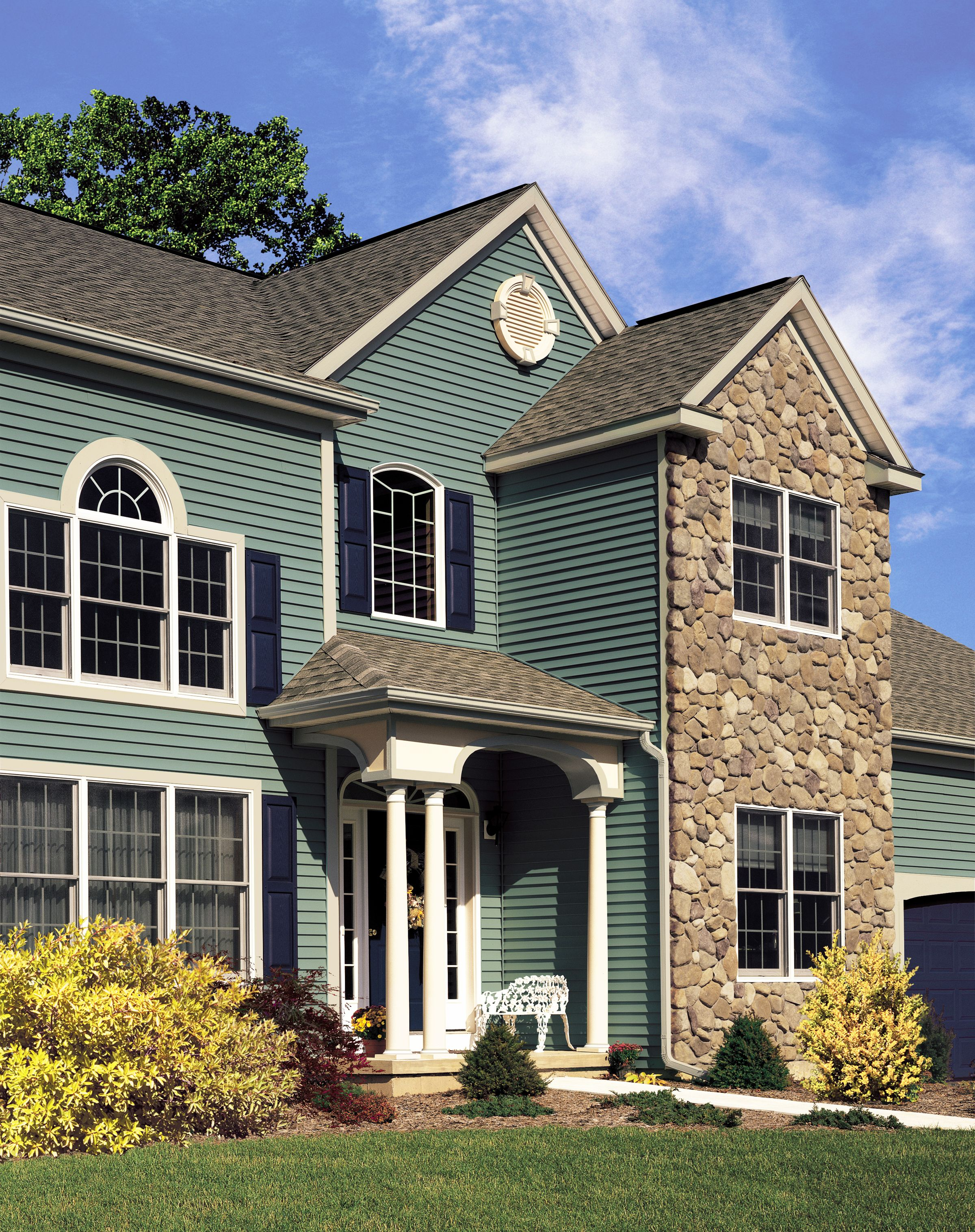 Certainteed siding monogram ivy green siding for Best vinyl siding colors