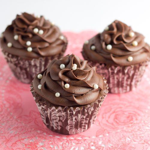 Objetivo: Cupcake Perfecto.: ¡¡¡Feliz día del papi, señor Papi!!! (o lo que es lo mismo... ¡¡Cupcakes de Baileys con chocolate!!)