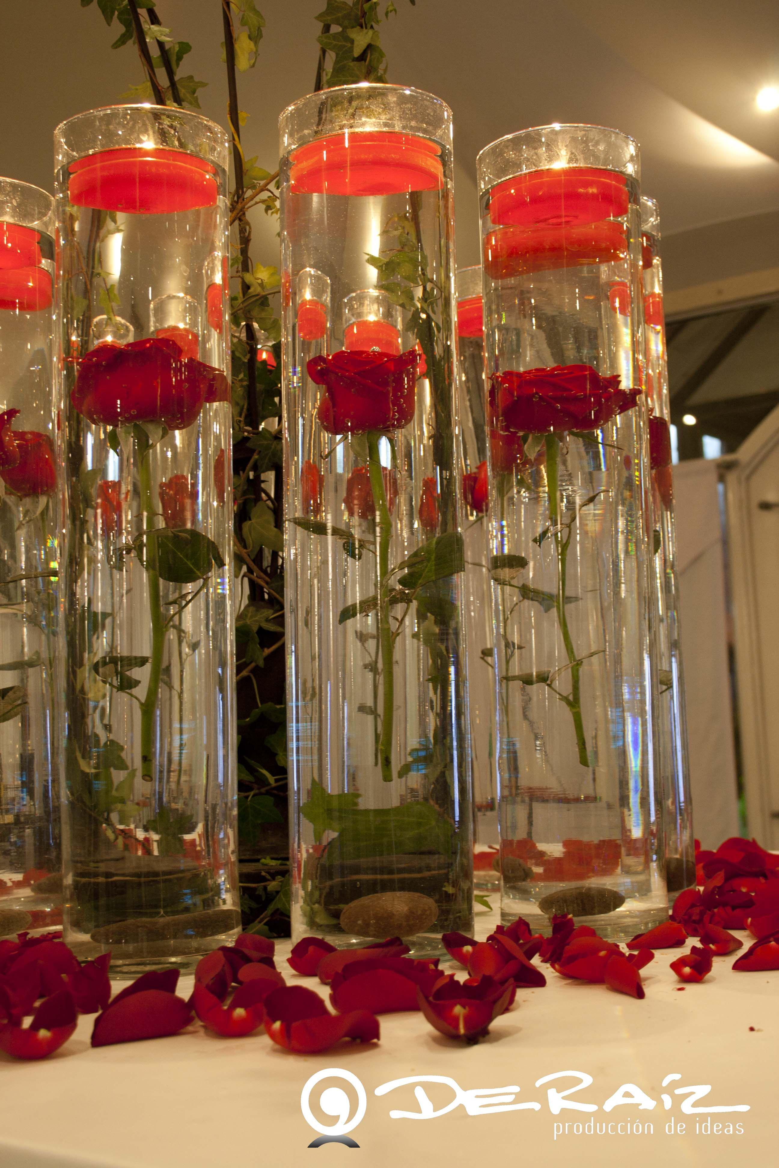 Rosas rojas sumergidas