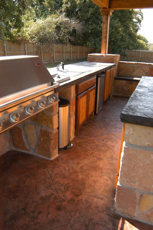Wish I Could Have This Outdoor Kitchen With Concrete Countertops Outdoor Kitchen Backyard Kitchen Outdoor Bbq