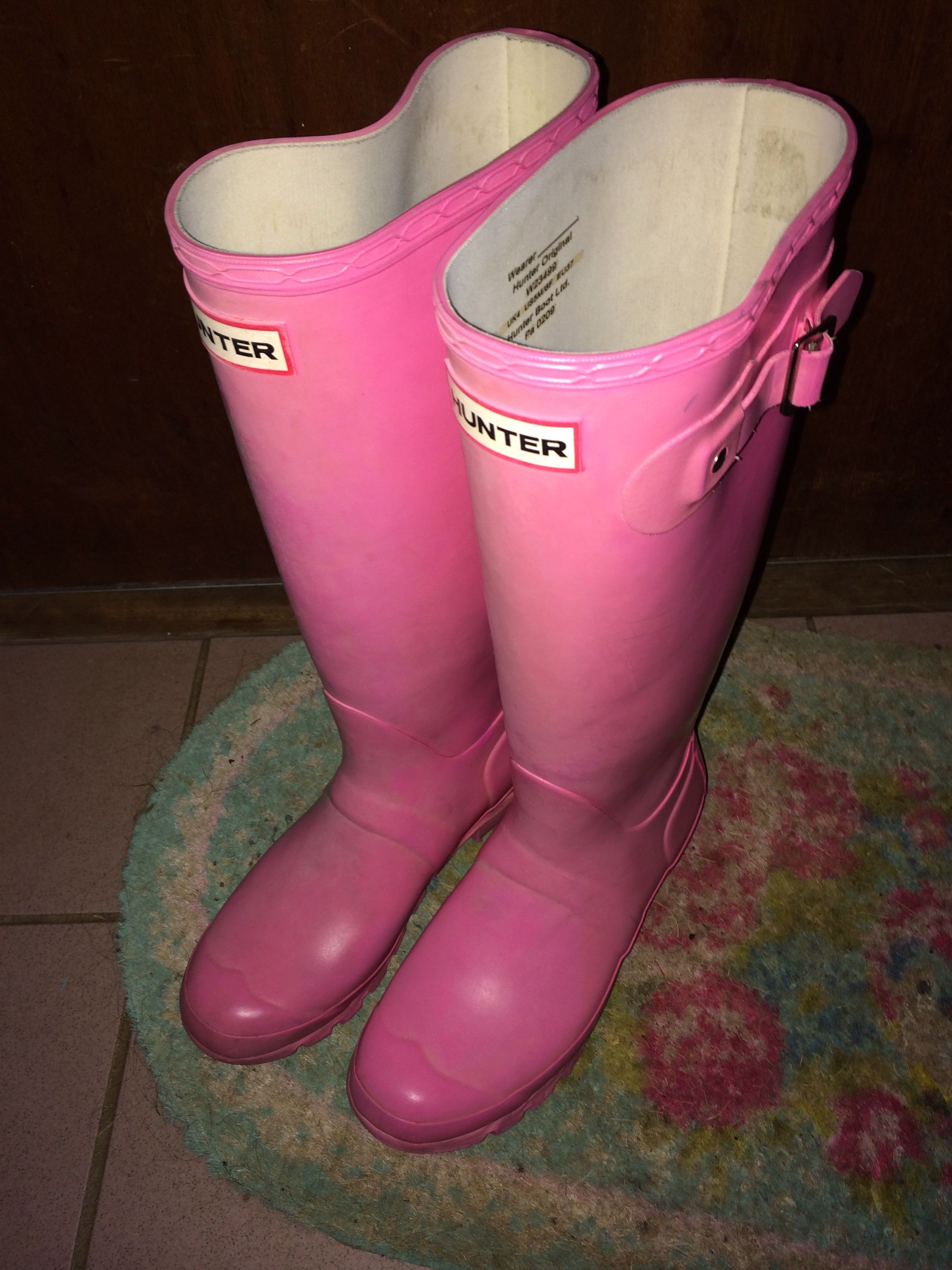 Hunter wellies in bubblegum pink colour! Love them.