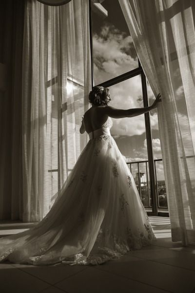 Stunning bridal photography: http://www.stylemepretty.com/florida-weddings/sarasota/2014/08/27/sweet-sarasota-wedding-at-the-ringling-ca-dzan-mansion/ | Photography: Divine Light - http://www.dlweddings.com/