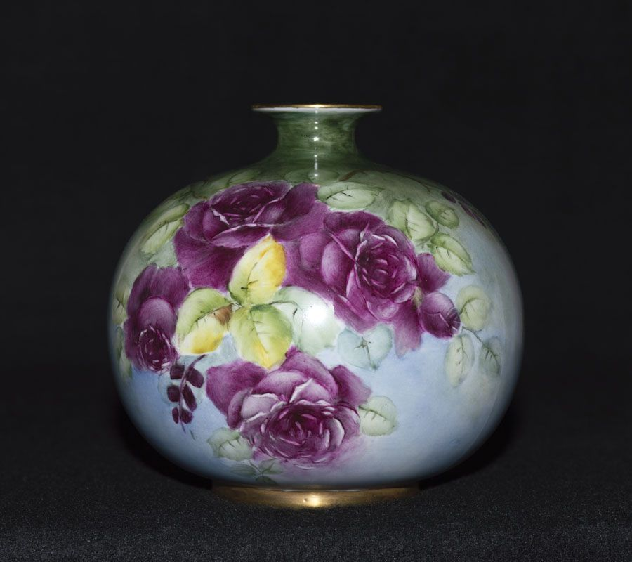 Beautiful Willets Belleek 6 Inch Ball Vase With Burgundy Roses
