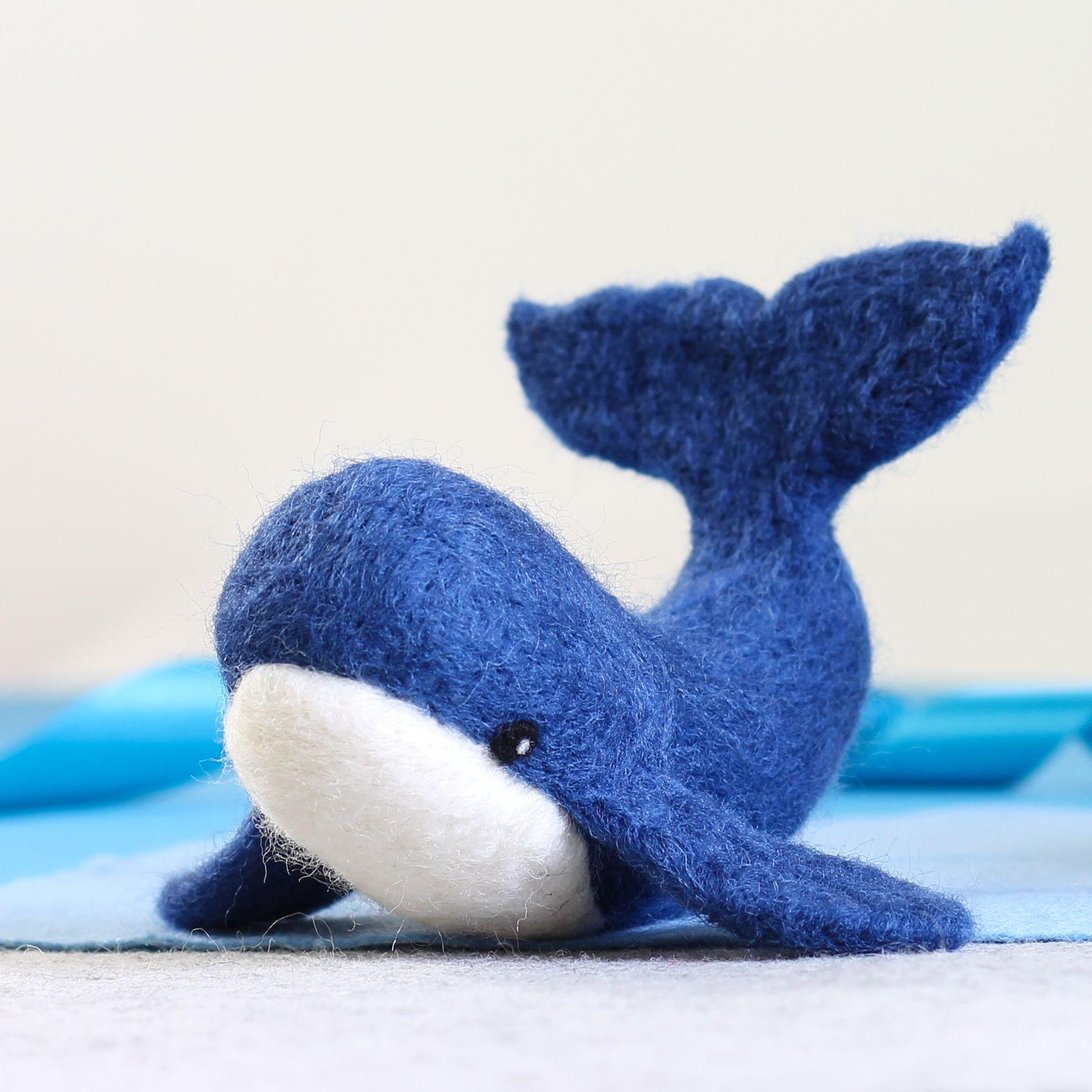 Whale Needle Felting Kit #whale #needlefelting #needlefeltingkit #felting #feltedwhale #whalecraftkit
