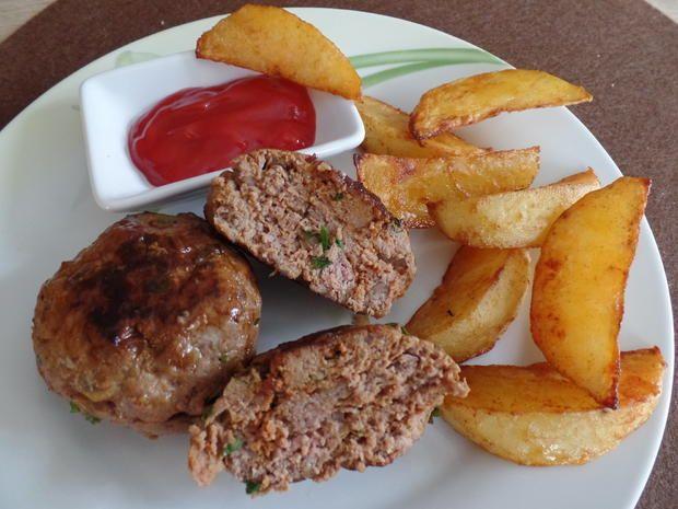 Tatarfrikadellen mit Kartoffelecken - Rezept