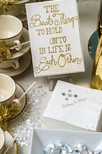 gold wedding signs ideas