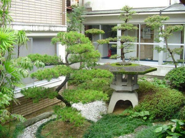 Le mini jardin japonais s r nit et style exotique lanterne japonaise mini Jardin japonais bonsai