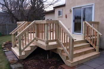 Wood Deck Railings Check out more Deck Railing Ideas http://awoodrailing.com/2014/11/16/100s-of-deck-railing-ideas-designs/