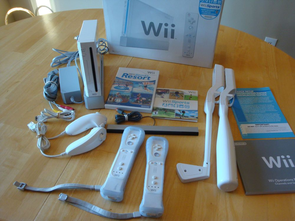 Nintendo Wii Sports Resort Pack White Console & Motion