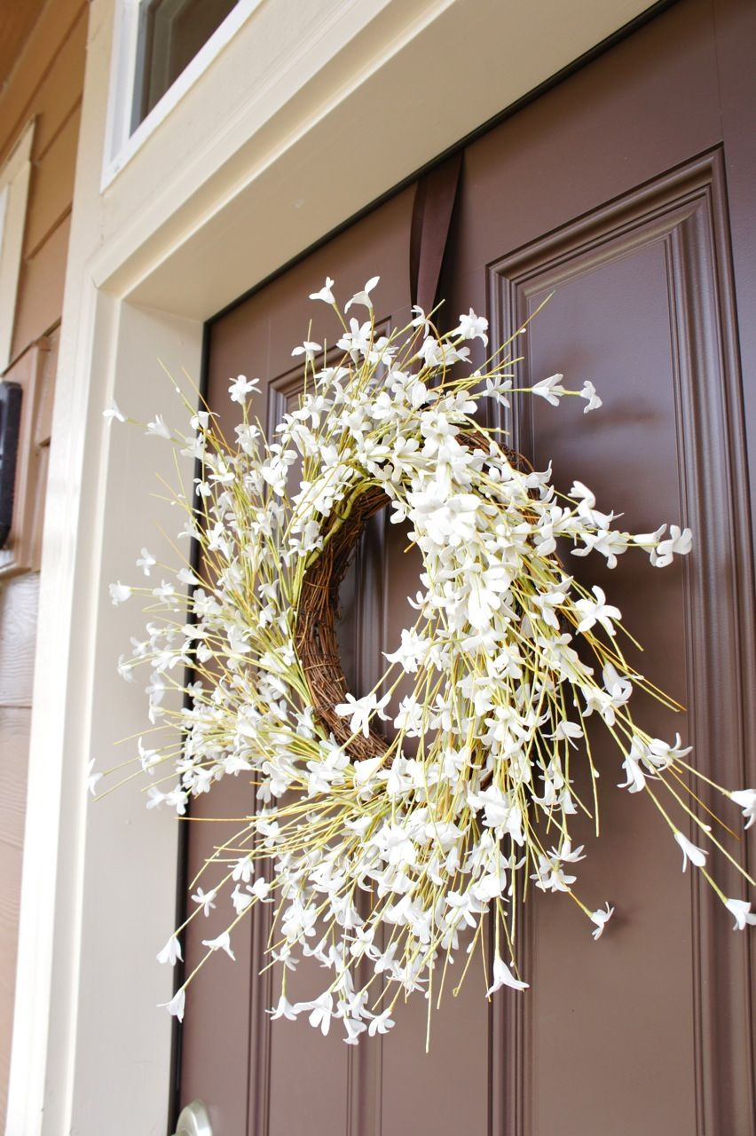 How To Hang A Door Wreath Without Nails Hanging Wreath Door Wreaths Command Hooks