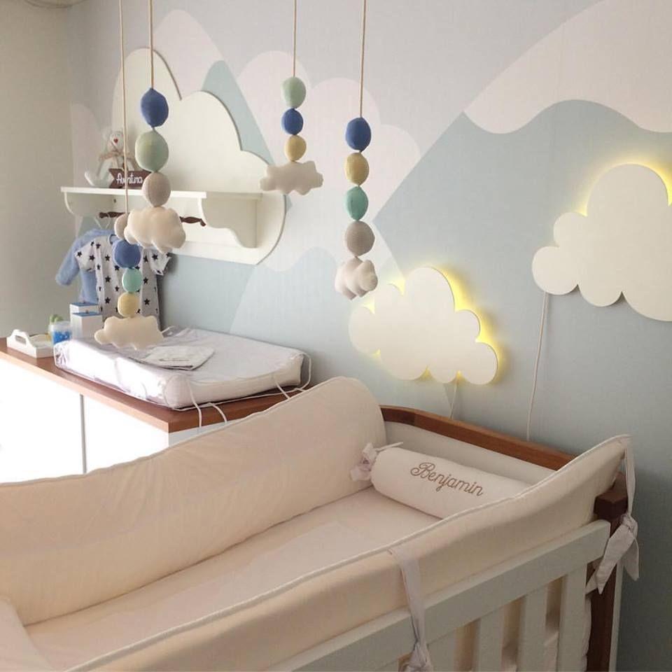 Dormitorio De Bebe Com Papel De Parede De Montanhas Luminarias De