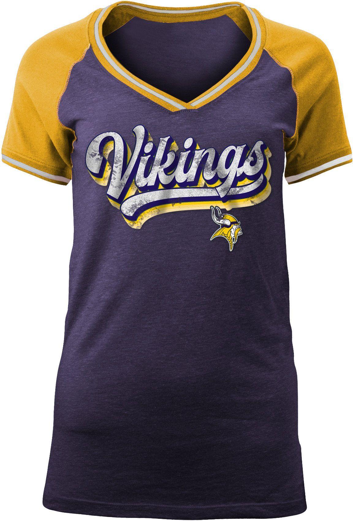 quality design 8deba a336c Team Apparel Women's Minnesota Retro Glitter T-Shirt, Size ...