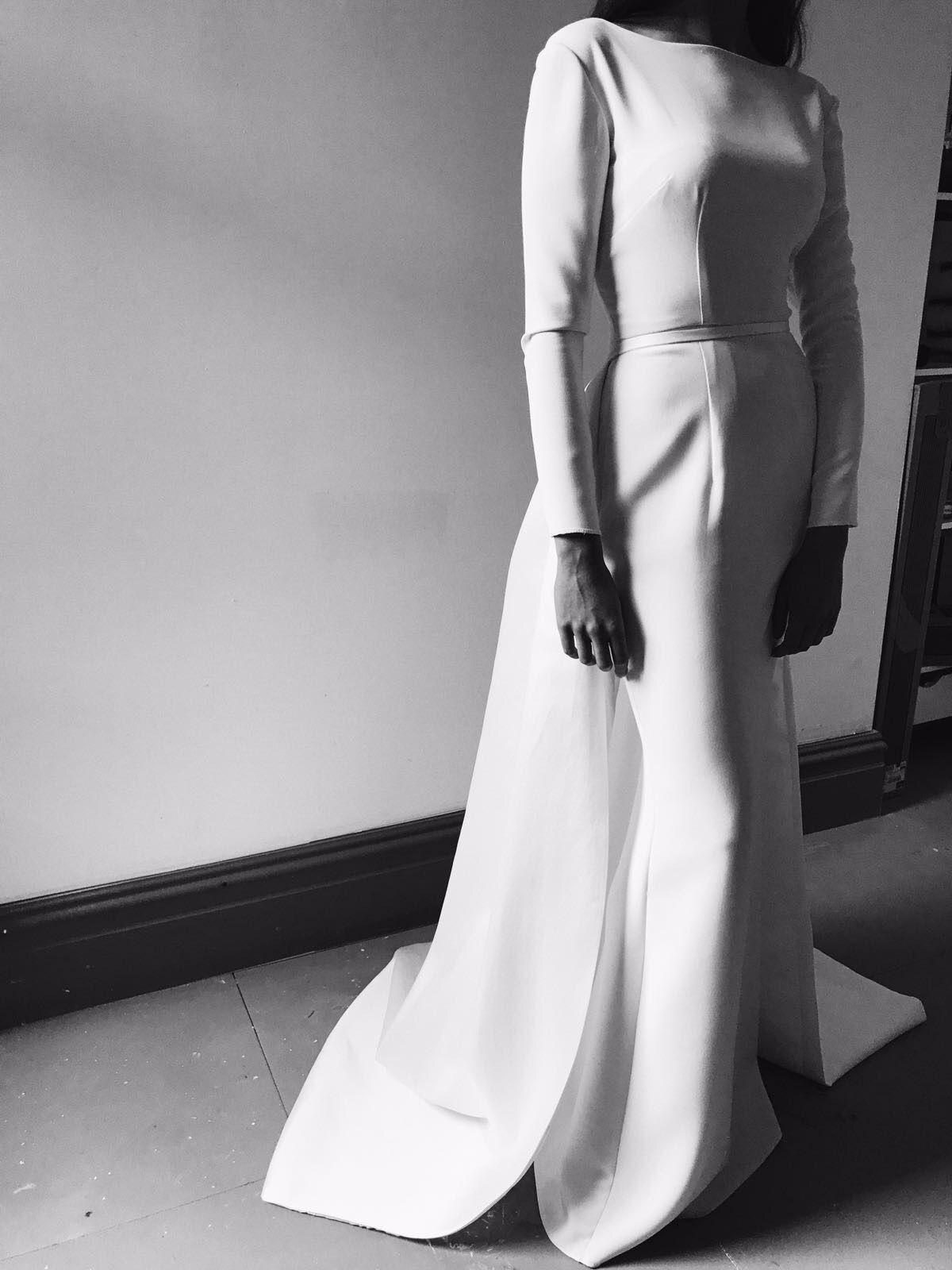 Wedding Inspirtion 17/18: Minimalism, Structural Design. Jessica Bennett Bespoke. #minimalbride #Wedding #Style #Bespoke