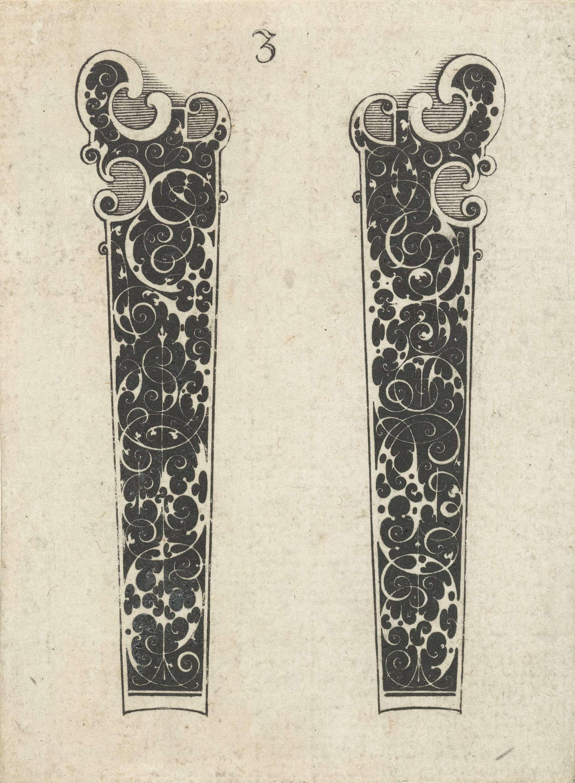 Michiel le Blon | Twee messenheften, Michiel le Blon, 1597 - c. 1625 | Op elk blad uit deze serie staan twee messenheften naast elkaar afgebeeld, gedecoreerd met Schweifwerk en gestileerde ranken in wit op een zwarte ondergrond.
