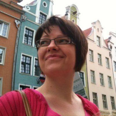 Nina Merilahti: lähestyn tehtävässä digiaikaa kunnan virkamiehen näkökulmasta. Vastaan kunnan tiedottamisesta, ja odotan suurta myllerrystä tulevaksi.