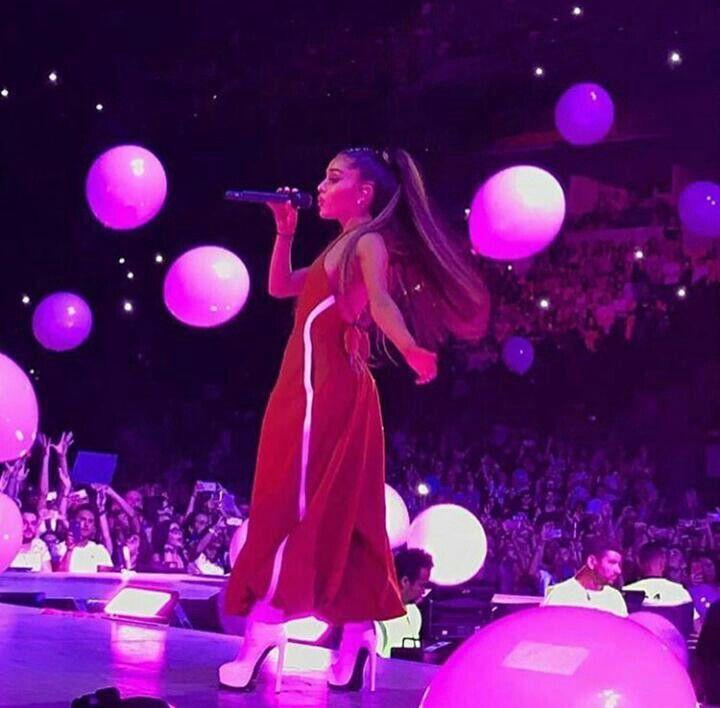 Pin By Chloe Caruso On ǝpuɐɹפ ɐuɐᴉɹ Ariana Grande Pictures