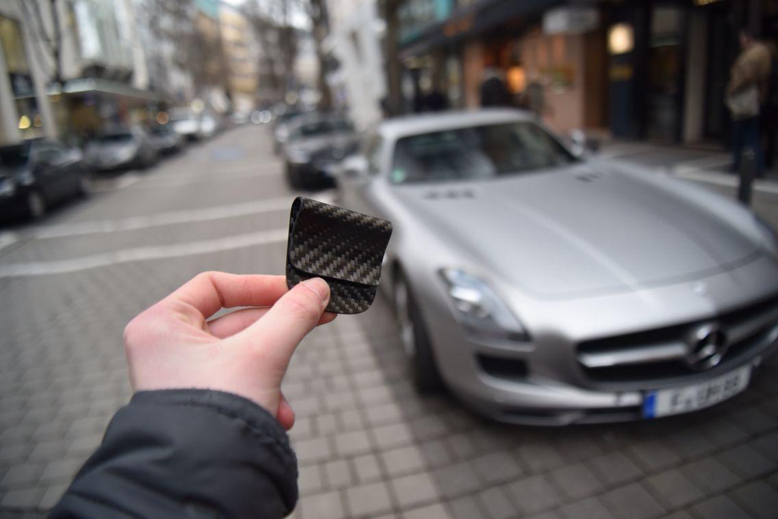 El hefe carbon fiber money clip with the Mercedes downtown | Carbon ...