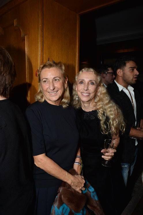 Surprise Dinner for Franca Sozzani with Miuccia  Una cena al Caviar Kaspia a Parigi per celebrare i 25 anni di Franca Sozzani alla direzione di Vogue Italia.