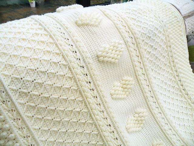 Ravelry: Project Gallery for Aran Hearts Throw pattern by Bonnie ...