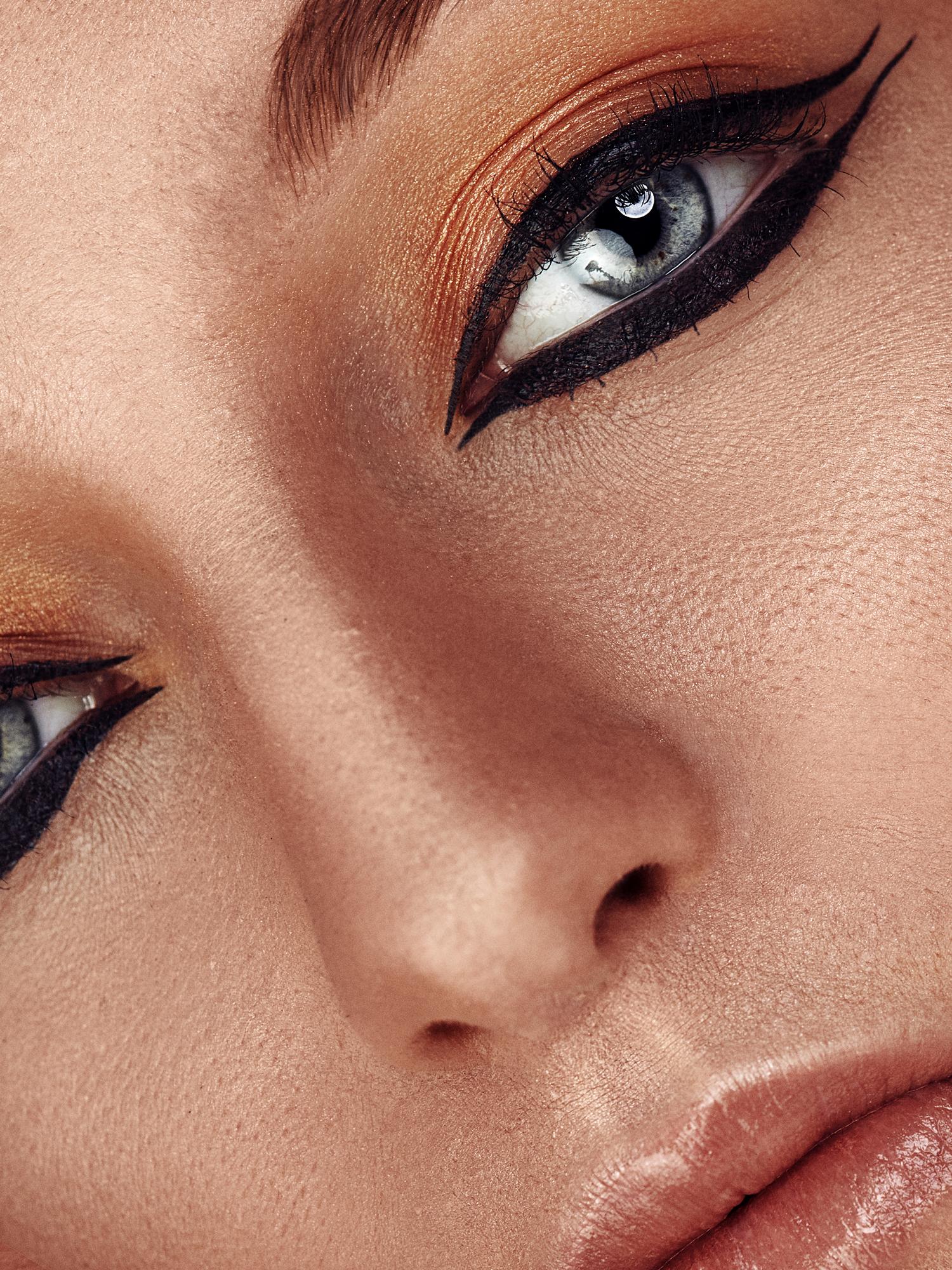 #beauty #egypt #makeup #closeup #robert #forester #robertforester #robdudeart #shooting #studio #indoor #eyes #portrait #editorial #photography #model #glam #glamor #glamorous #fashion