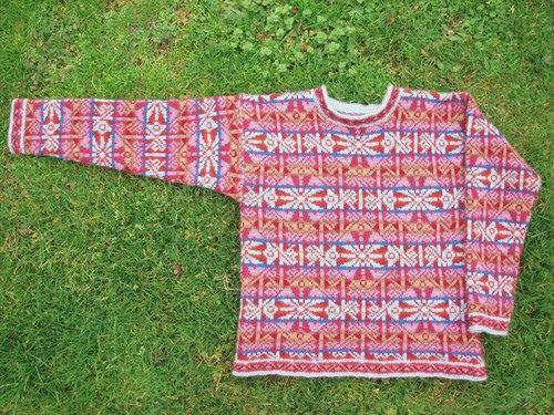 Ravelry: patrón de Lindisfarne suéter por Alice Starmore