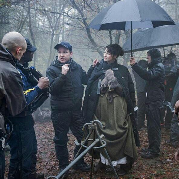 Outlander behind the scenes with Cait.